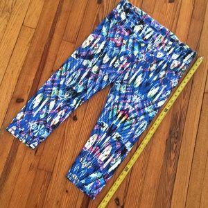 Fabletics Capri Workout Pants